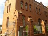 Fabrikantenvilla; heute Wohnhaus und Physiotherapie